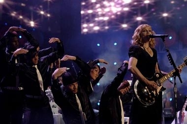 Madonna performing La Isla Bonita @ Live Earth