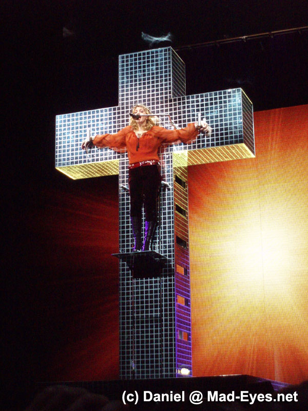 Live To Tell @ Confessions Tour